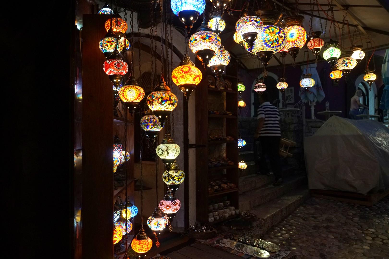 Lampy orientalne w Mostarze