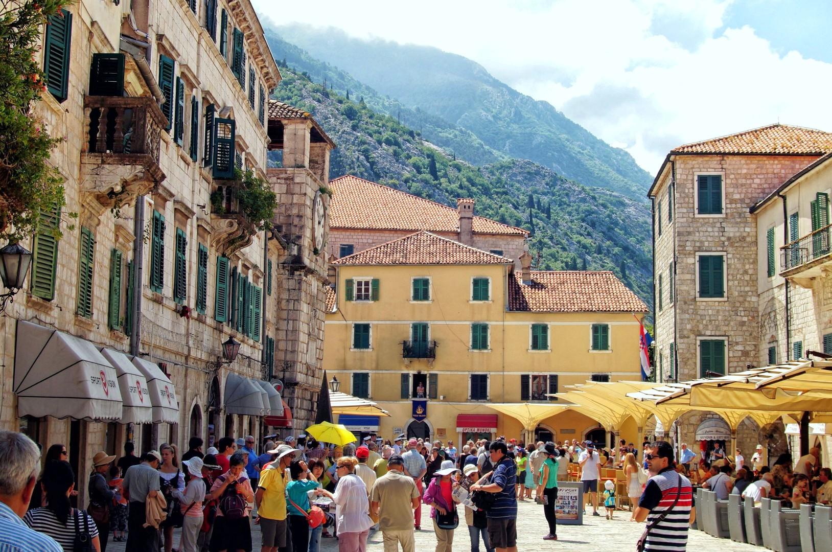 zwiedzanie Kotoru - Plac Broni