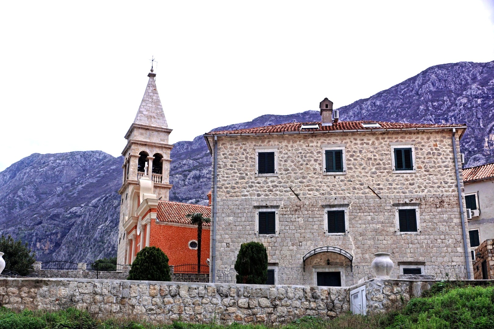 Kościółek w Dobrocie