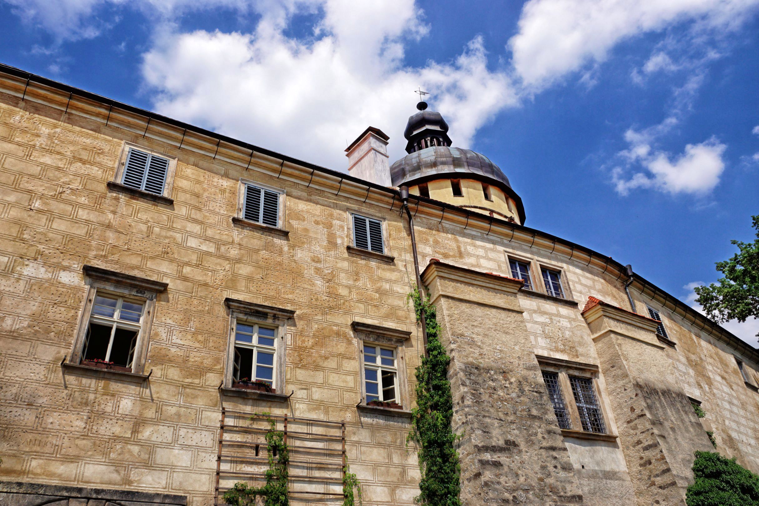 Zamek Grabstejn po mozolnej wspinaczce