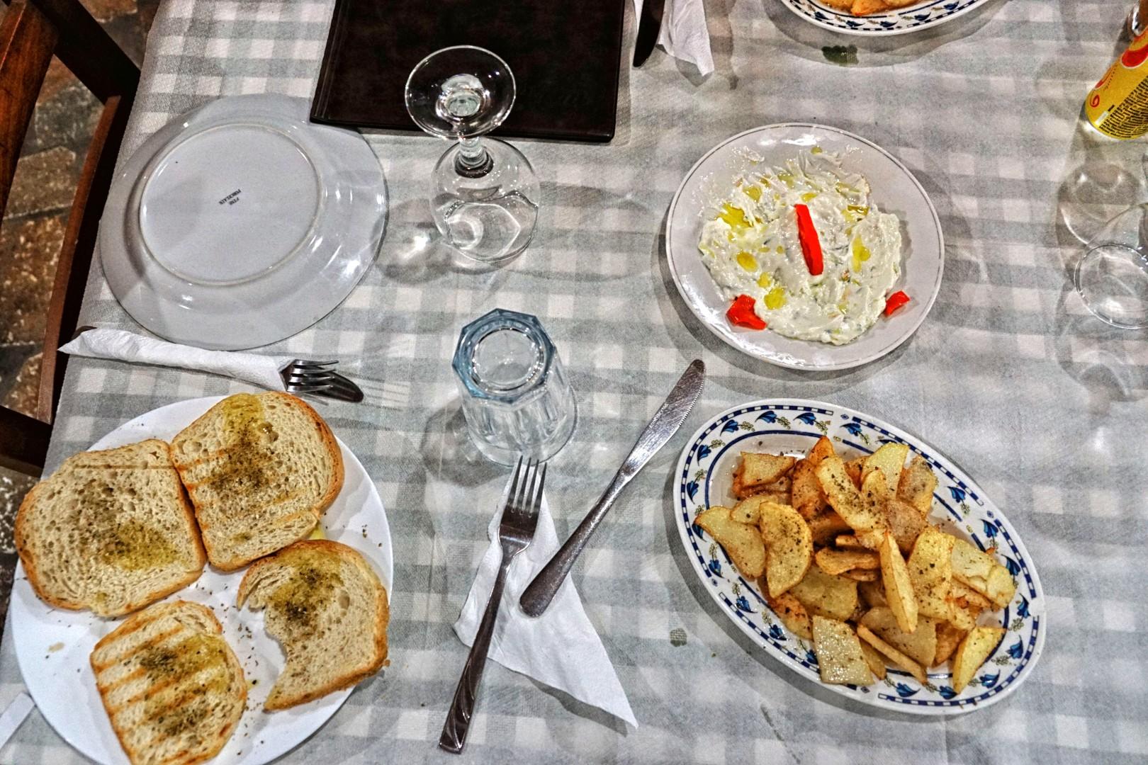 Wieczór w albańskiej restauracji
