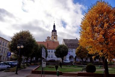 Chełmsko Śląskie w rynkowej panoramie