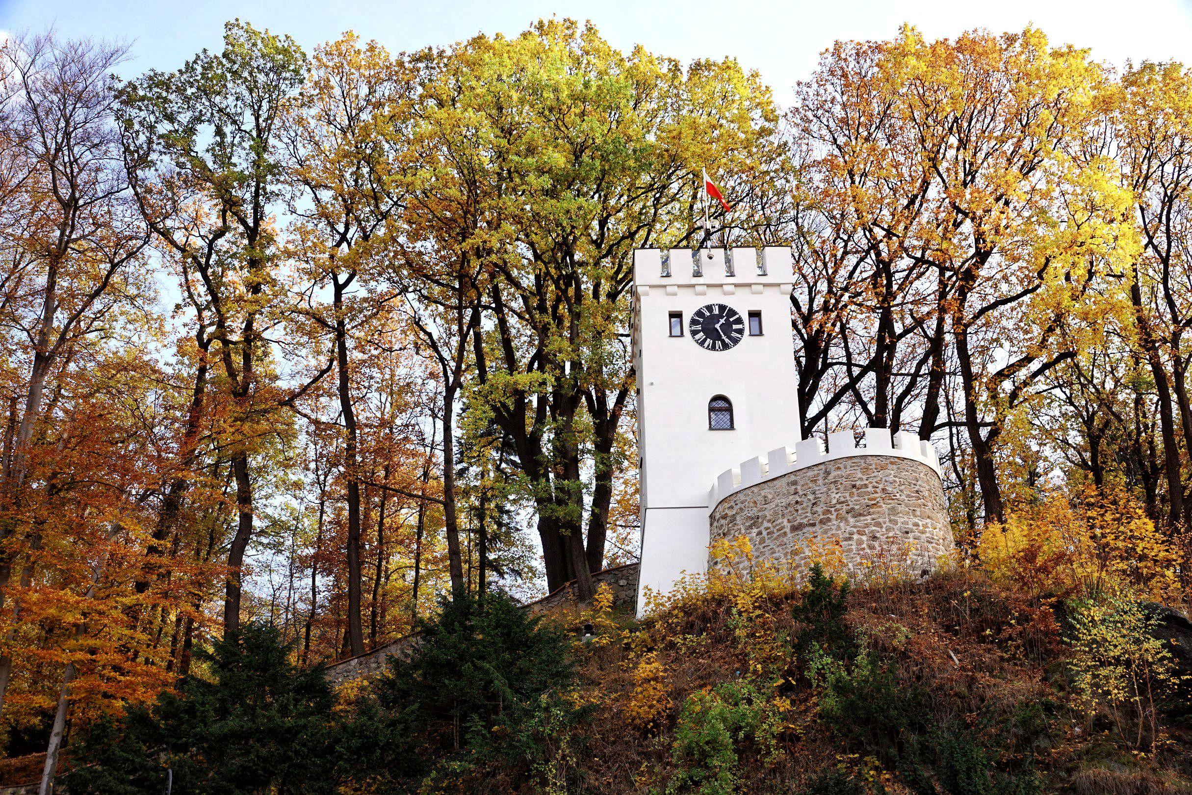 Piękna wieża Anny w Szczawnie-Zdroju