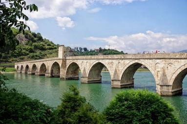 Most na rzece Drinie