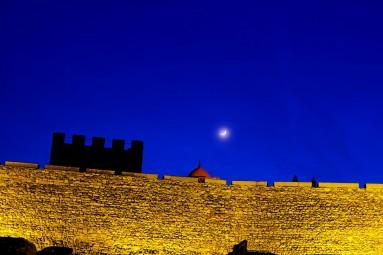 Twierdza Rabati nocą