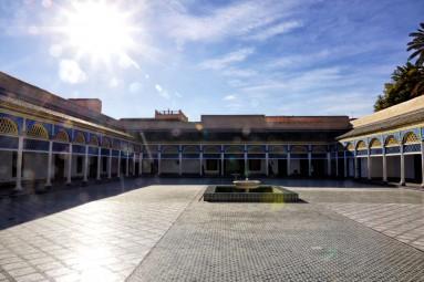 Pałac El-Bahia lutowego popołudnia