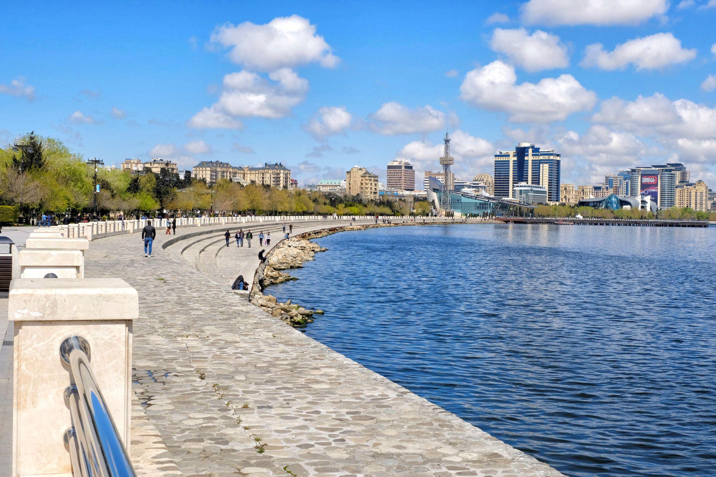 Zwiedzanie Baku