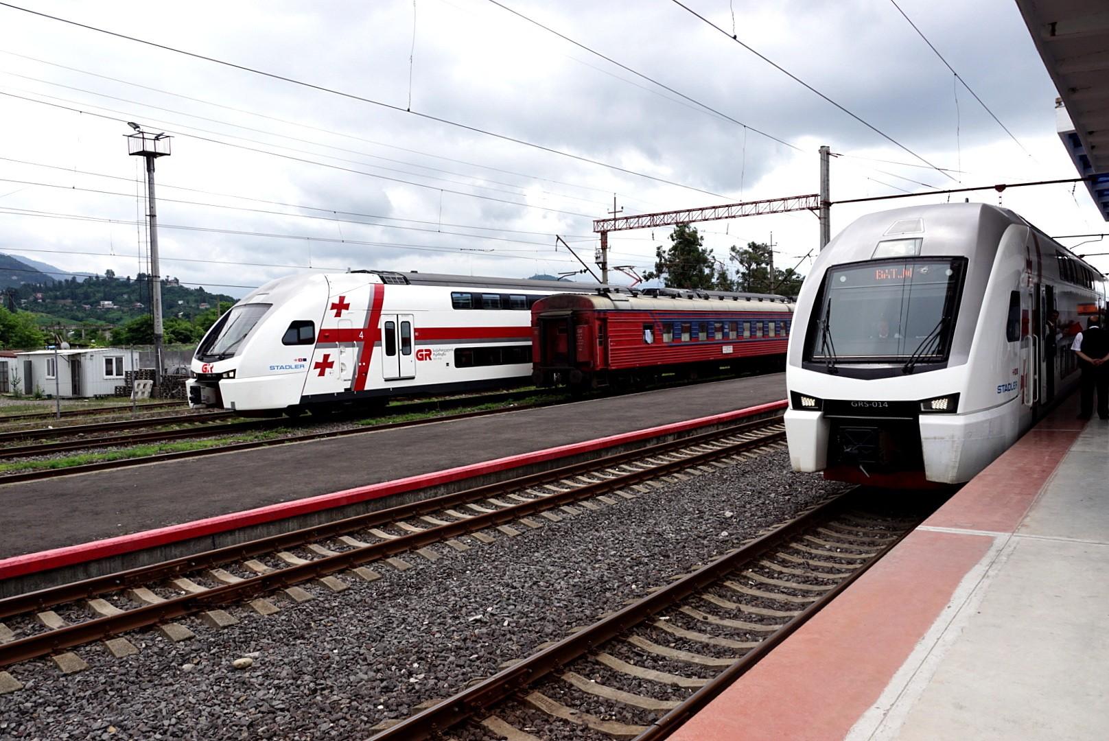 Tak wyglądają nowoczesne pociągi kursujące w relacji Tbilisi-Batumi-Tbilisi