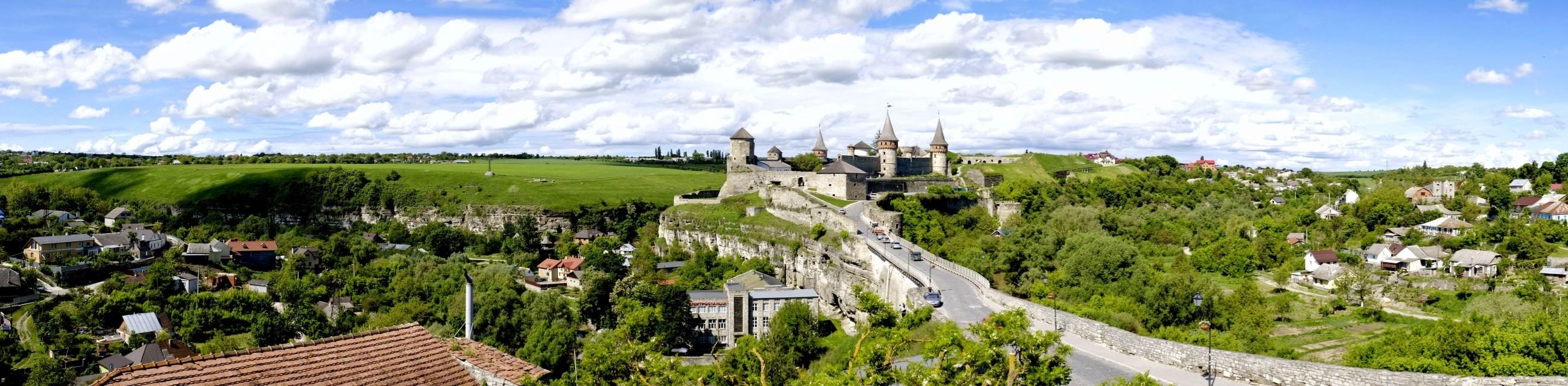 Zamek w Kamieńcu Podolskim w maju
