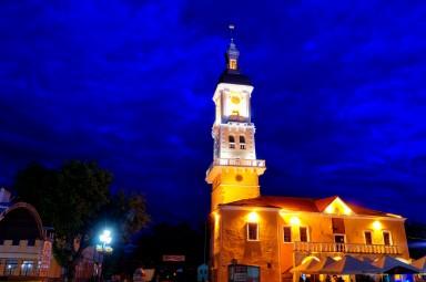 Kamieniec Podolski nocą ma bardzo fajny klimat