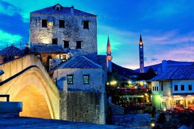 Zwiedzanie Mostaru nocą