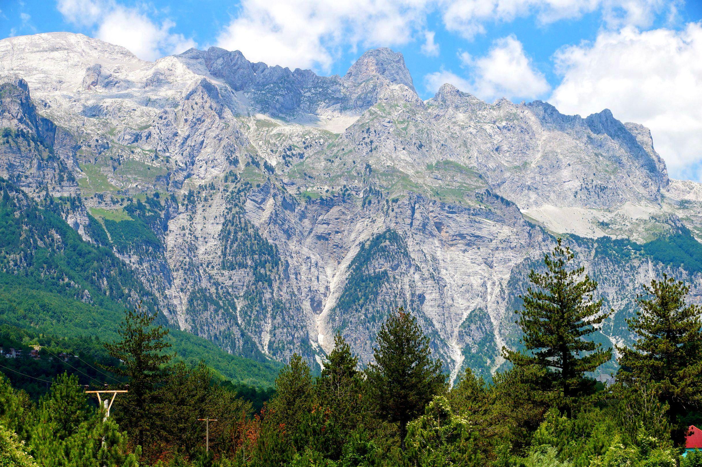 Widoki na Alpy Albańskie